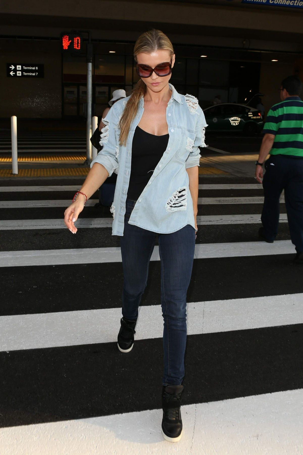Joanna Krupa At LAX International Airport, Los Angeles   joanna-krupa-at-lax-international-airport-los-angeles_12