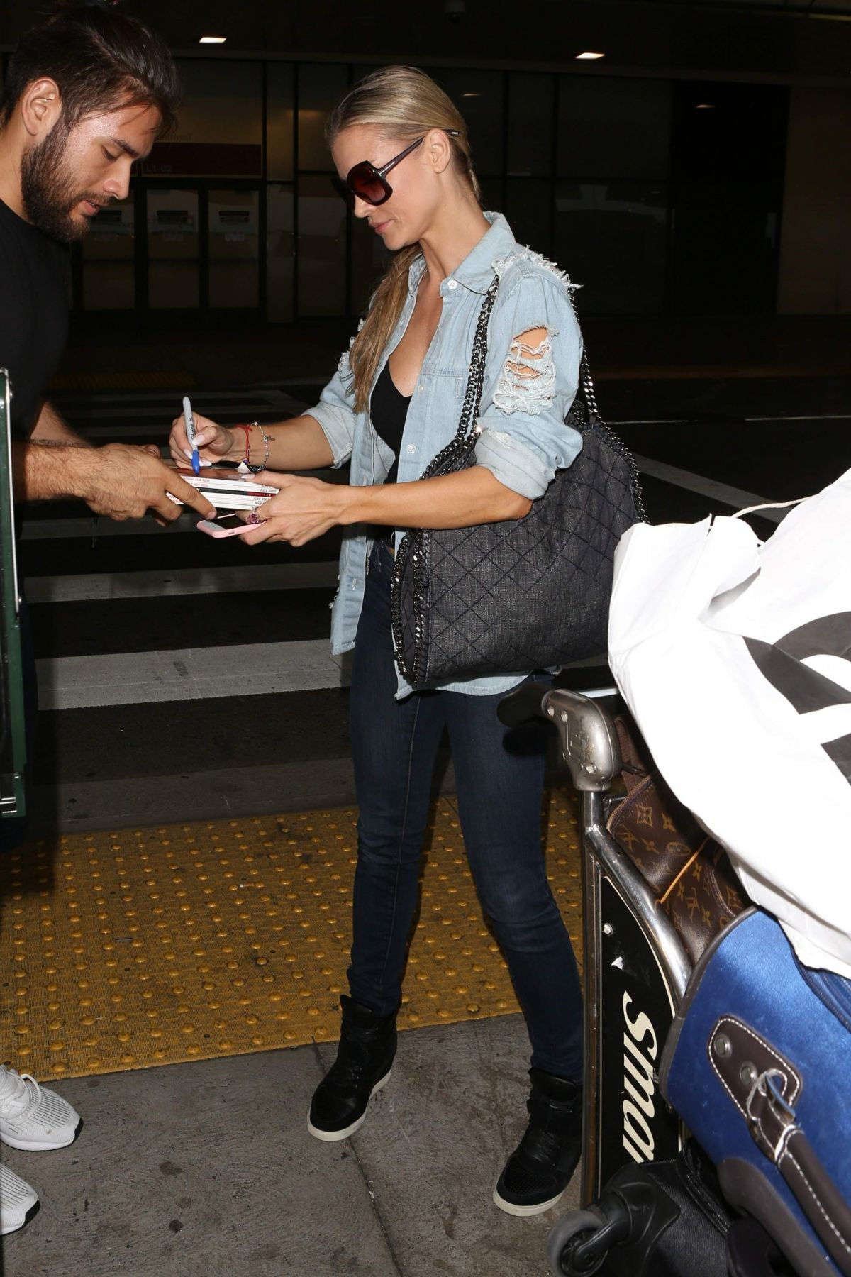 Joanna Krupa At LAX International Airport, Los Angeles   joanna-krupa-at-lax-international-airport-los-angeles_13