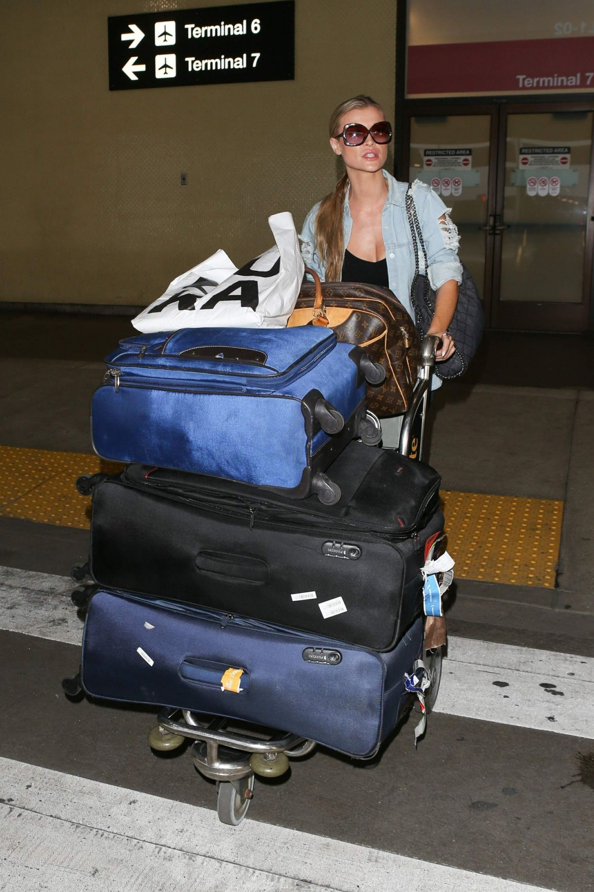 Joanna Krupa At LAX International Airport, Los Angeles   joanna-krupa-at-lax-international-airport-los-angeles_17