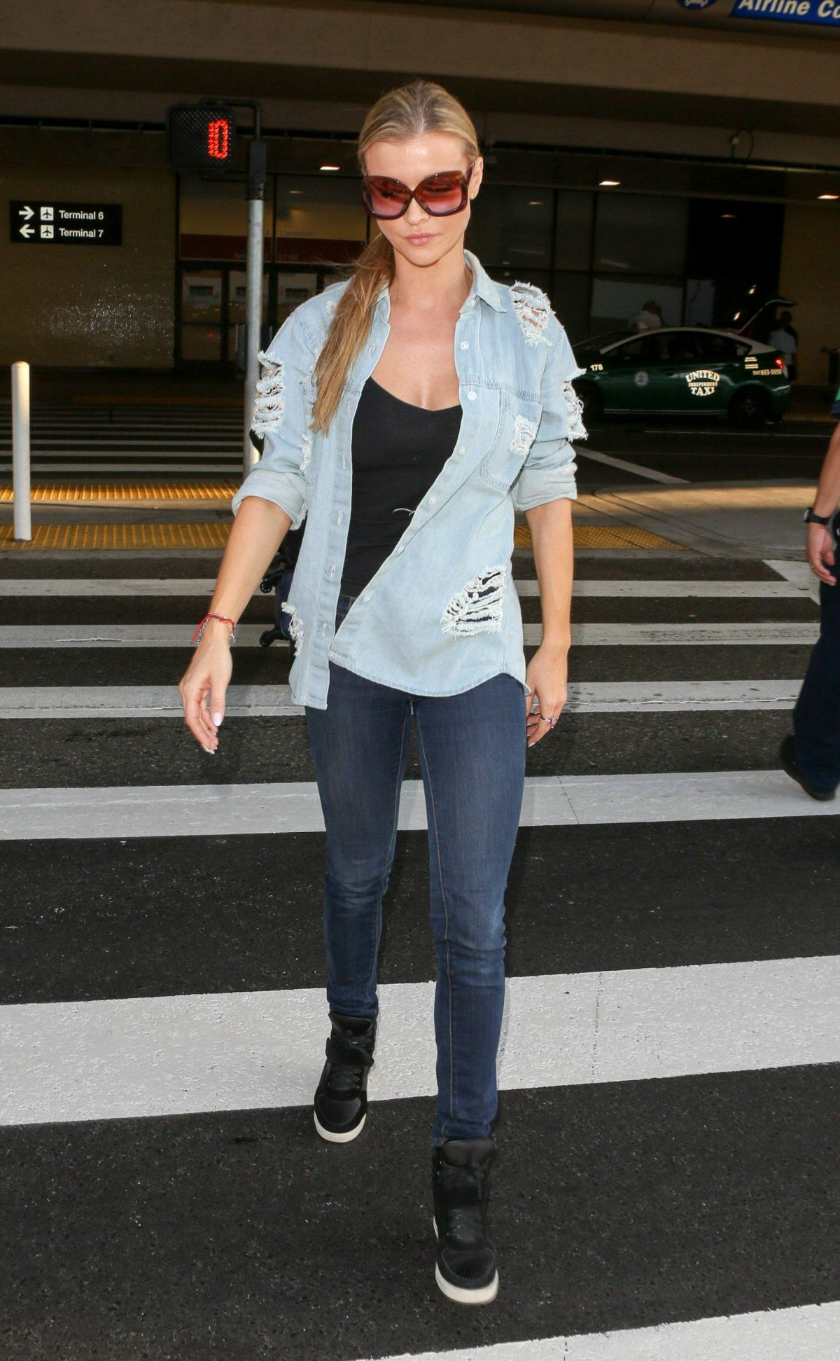 Joanna Krupa At LAX International Airport, Los Angeles   joanna-krupa-at-lax-international-airport-los-angeles_6