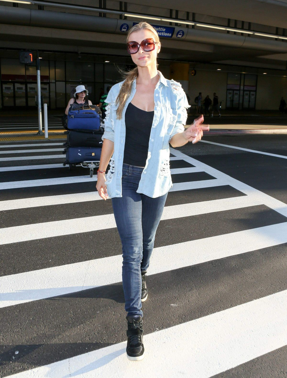 Joanna Krupa At LAX International Airport, Los Angeles   joanna-krupa-at-lax-international-airport-los-angeles_7