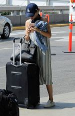 Lucy Hale Catches a flight out of vancouver on her way to the teen choice awards from vancouver, Canada