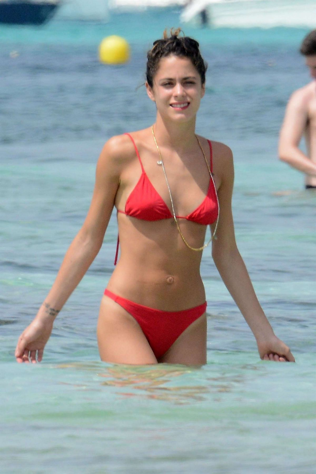 martina stoessel at a beach in formentera martina stoessel at a beach - Martina Kompel Lebenslauf