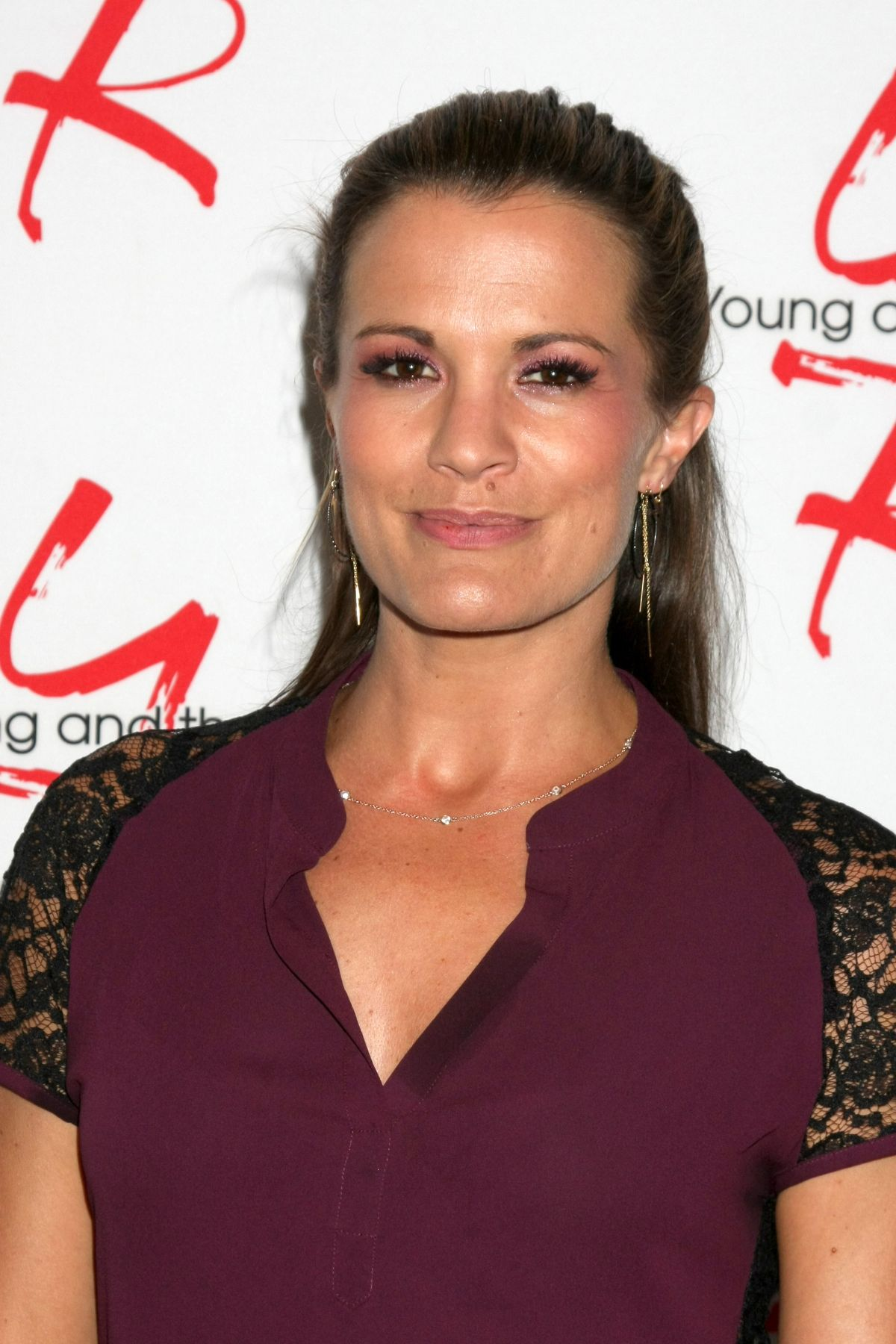 Melissa Claire Egan At Young and Restless Fan Event 2017 ...