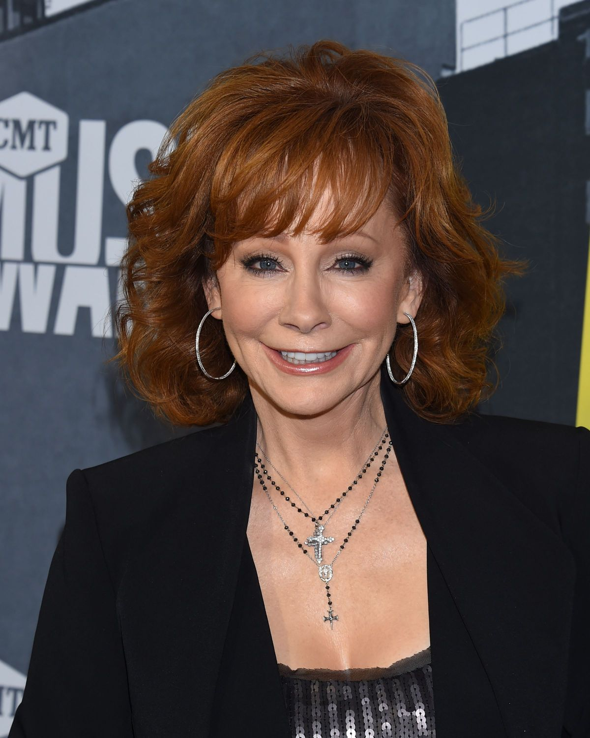 Reba McEntire finds herself family on Stronger Than the Truth