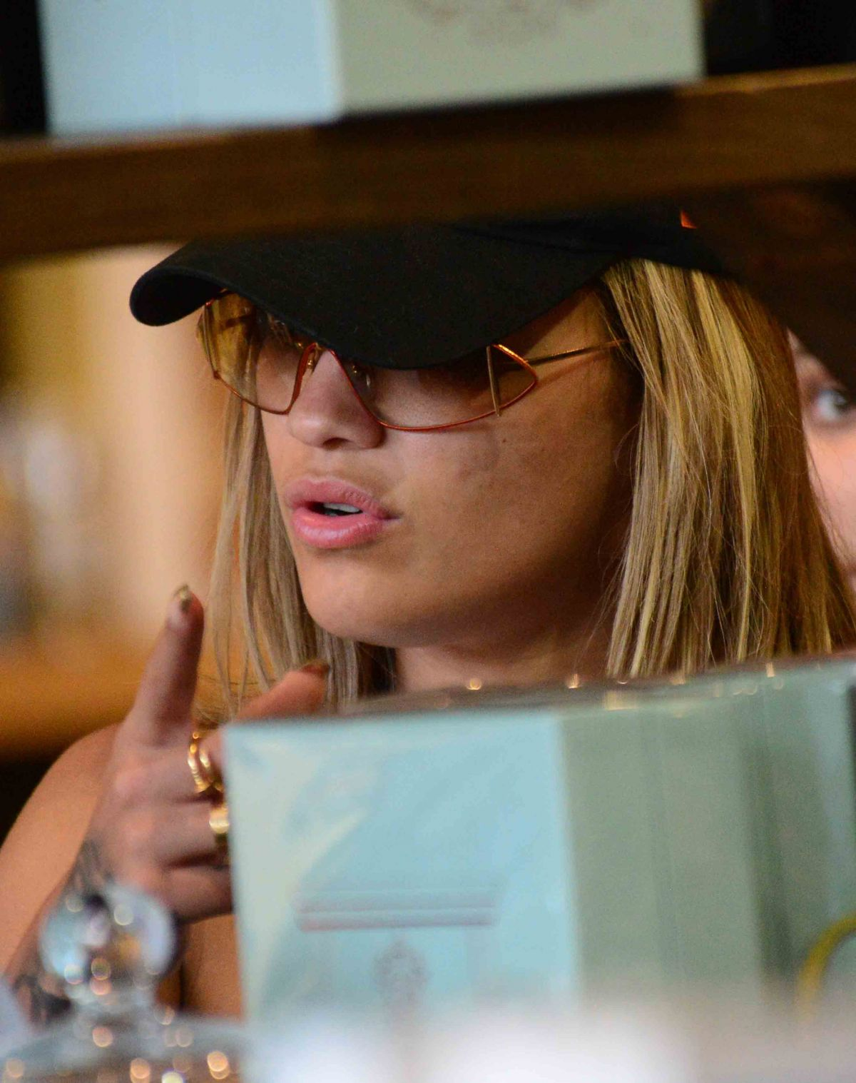 Rita Ora Shopping in West Hollywood   rita-ora-shopping-in-west-hollywood_21