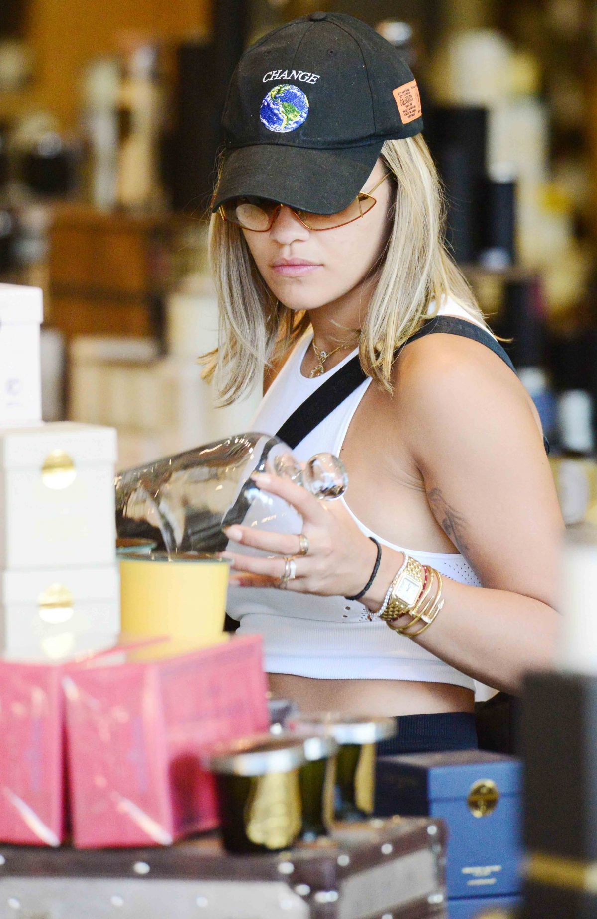 Rita Ora Shopping in West Hollywood   rita-ora-shopping-in-west-hollywood_24