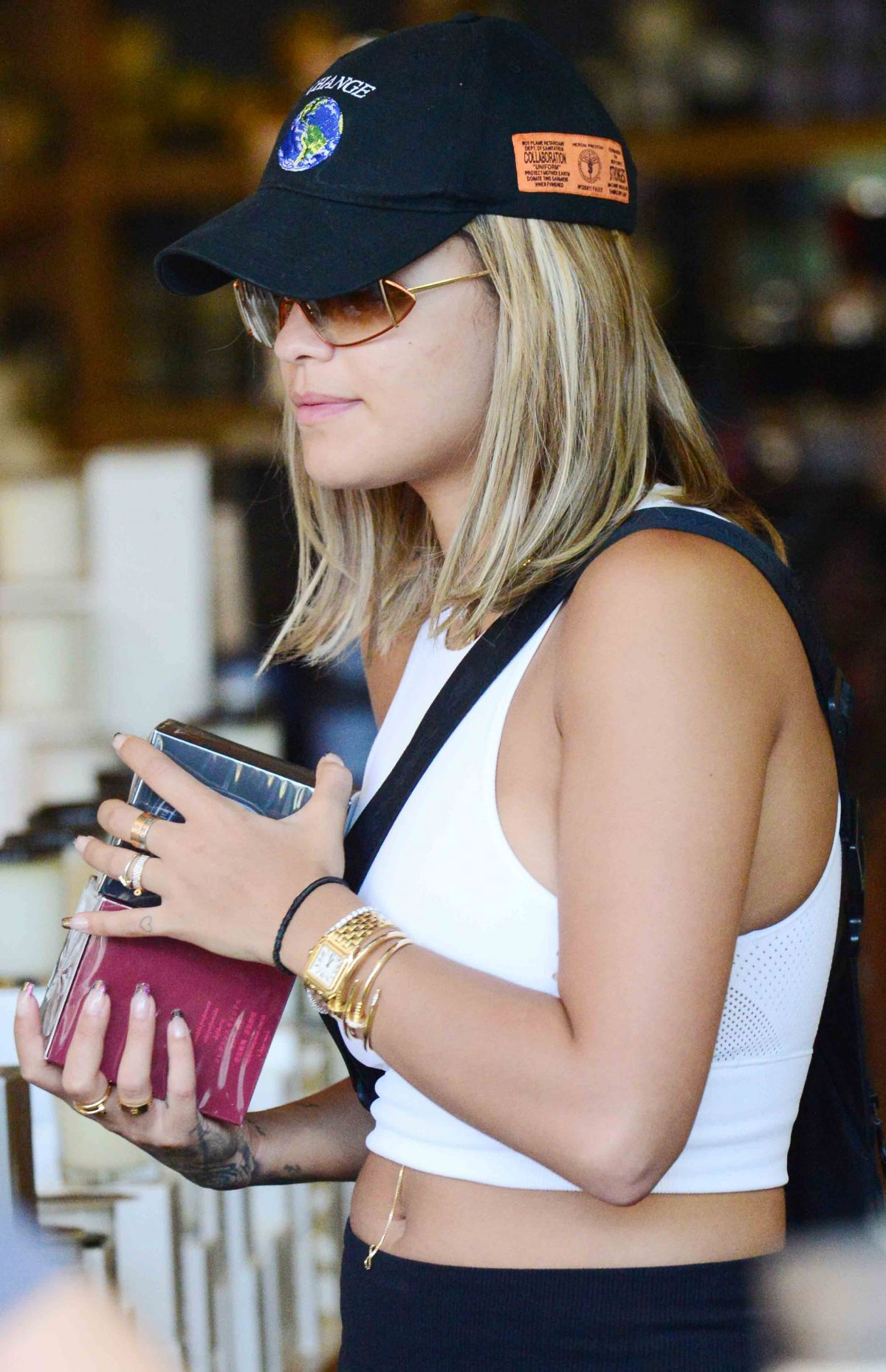 Rita Ora Shopping in West Hollywood   rita-ora-shopping-in-west-hollywood_25