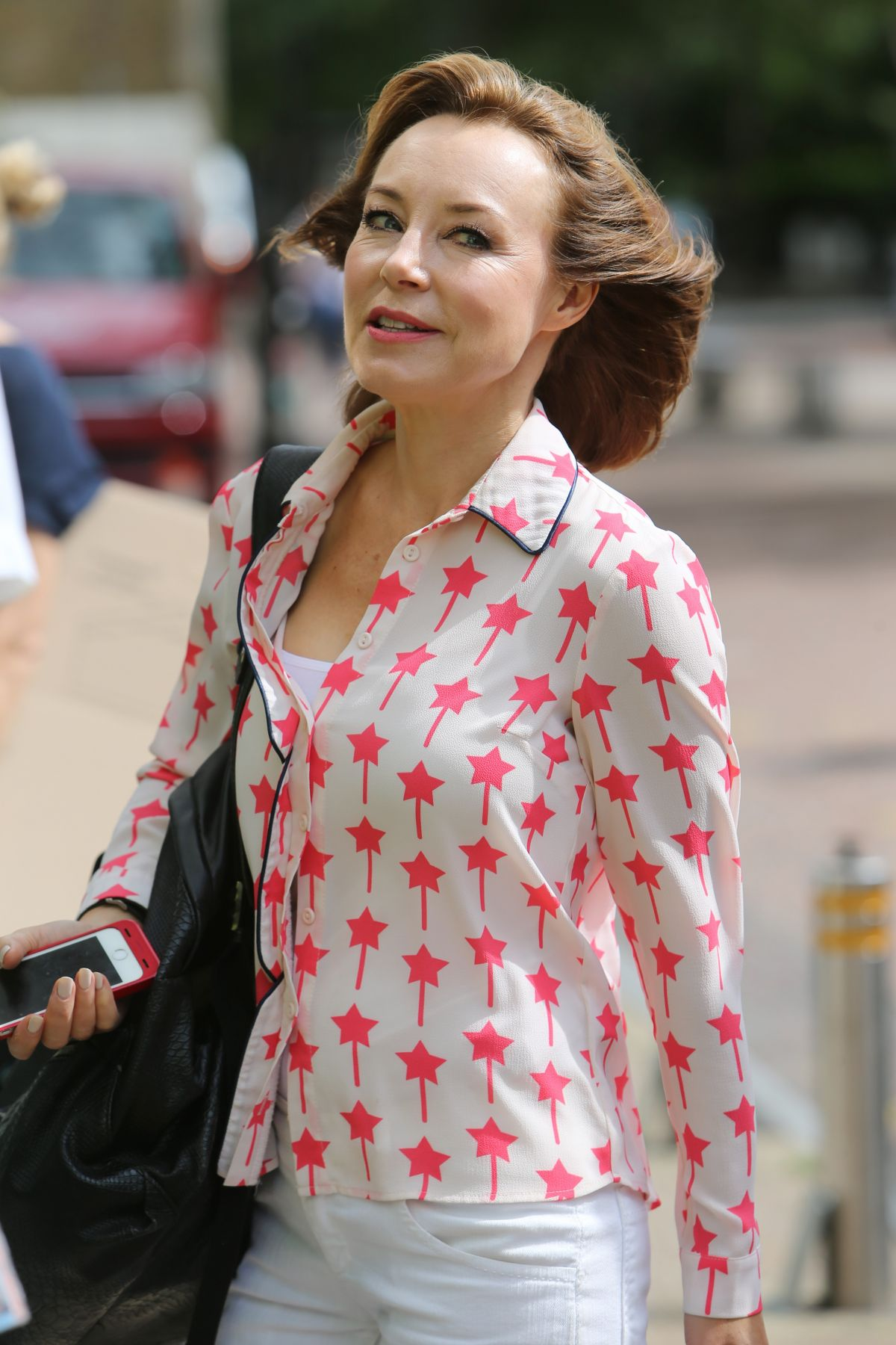 sian williams outside itv studios in london   celebzz