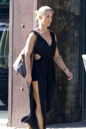 Caroline Pearce Shows off her perfect figure whilst out and about in West Hollywood