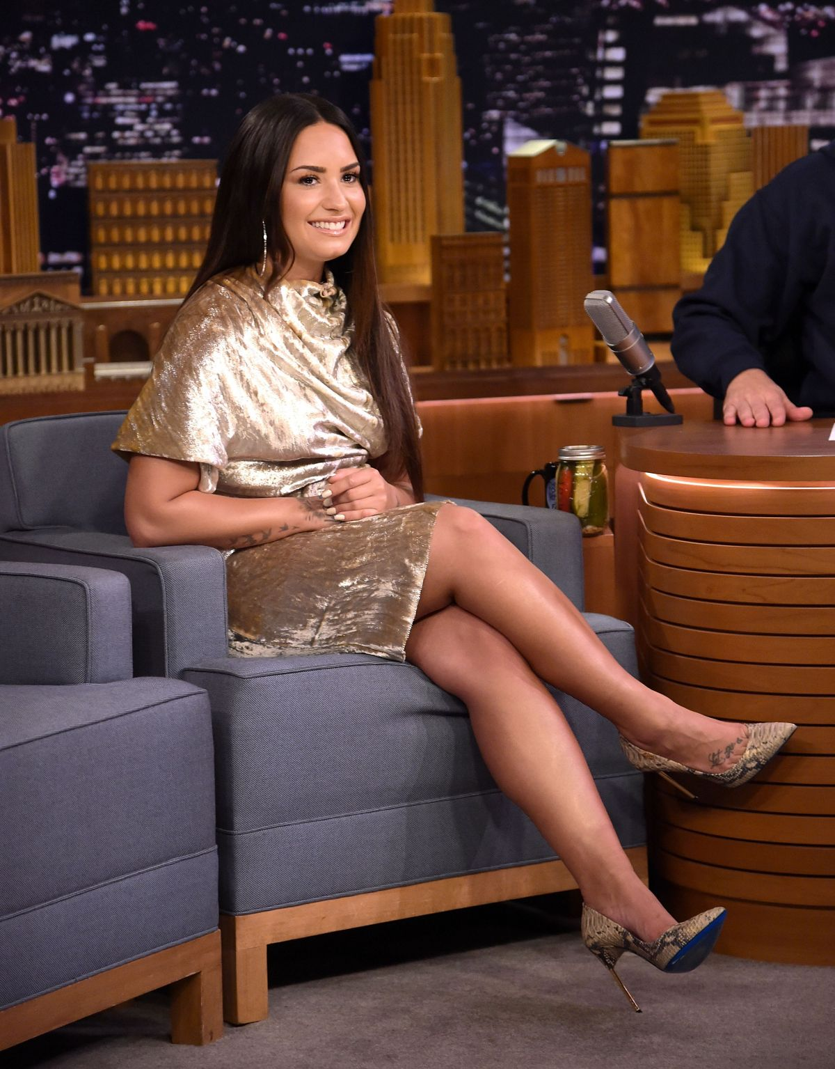 Demi Lovato At 'The Tonight Show Starring Jimmy Fallon' at Rockefeller Center in New York   demi-lovato-at-the-tonight-show-starring-jimmy-fallon-at-rockefeller-center-in-new-york_3