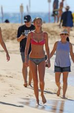 Elizabeth Turner Spotted on the beach in Hawaii