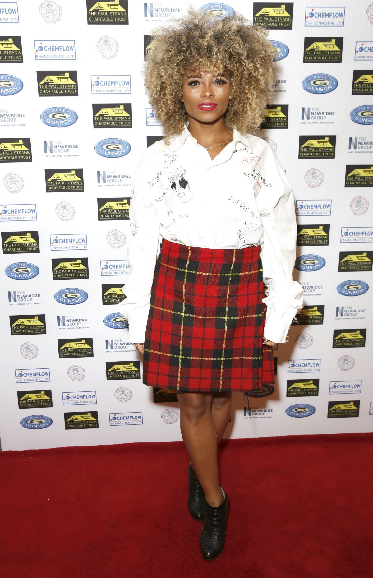 fleur east at the paul strank charitable trust annual gala bank of england sports centre. Black Bedroom Furniture Sets. Home Design Ideas