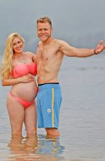 Heidi Montag and Spencer Pratt enjoy a day in Hawaii together