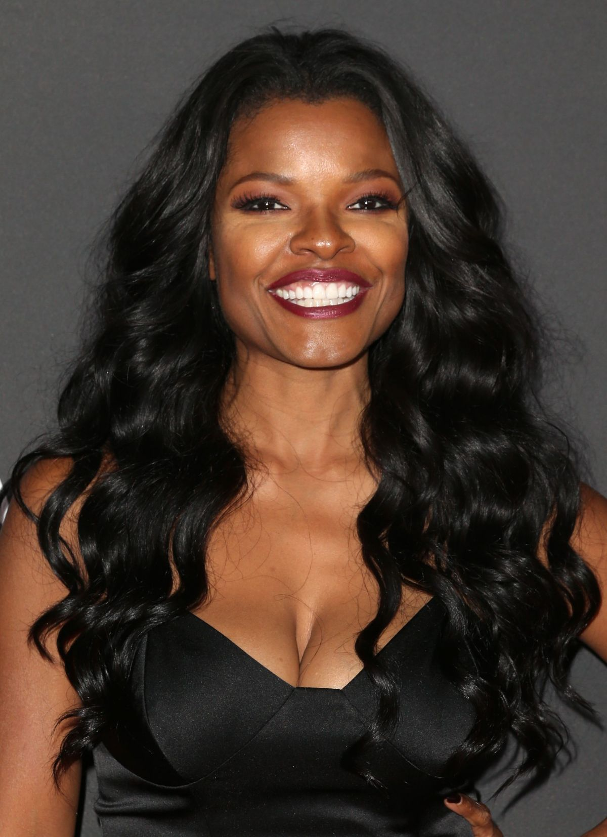 The 45-year old daughter of father (?) and mother(?), 160 cm tall Keesha Sharp in 2018 photo
