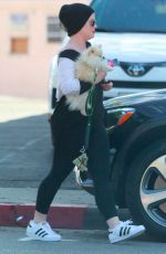 Kelly Osbourne Is spotted out for lunch with a mystery man at Taste in Beverly Hills