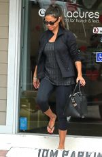 Vanessa Lachey Goes to the nail salon in Studio City