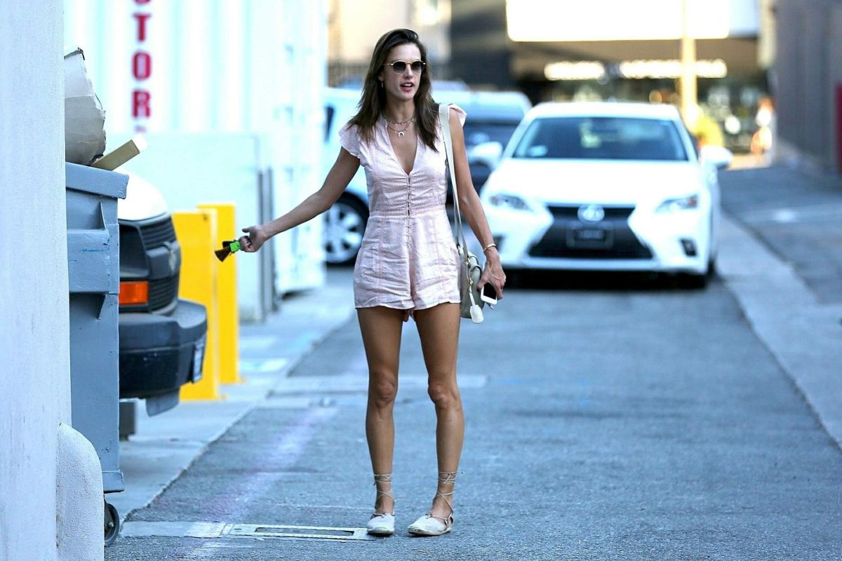 Alessandra Ambrosio Out for shopping on Rodeo Drive in Beverly Hills
