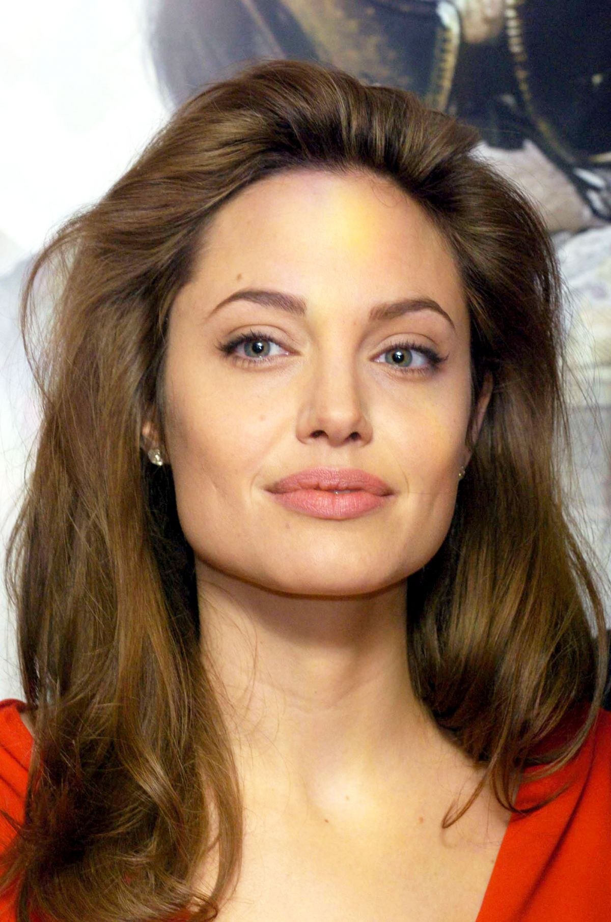 Angelina Jolie At 'Alexander' Photocall at the Dorchester ... Angelina Jolie