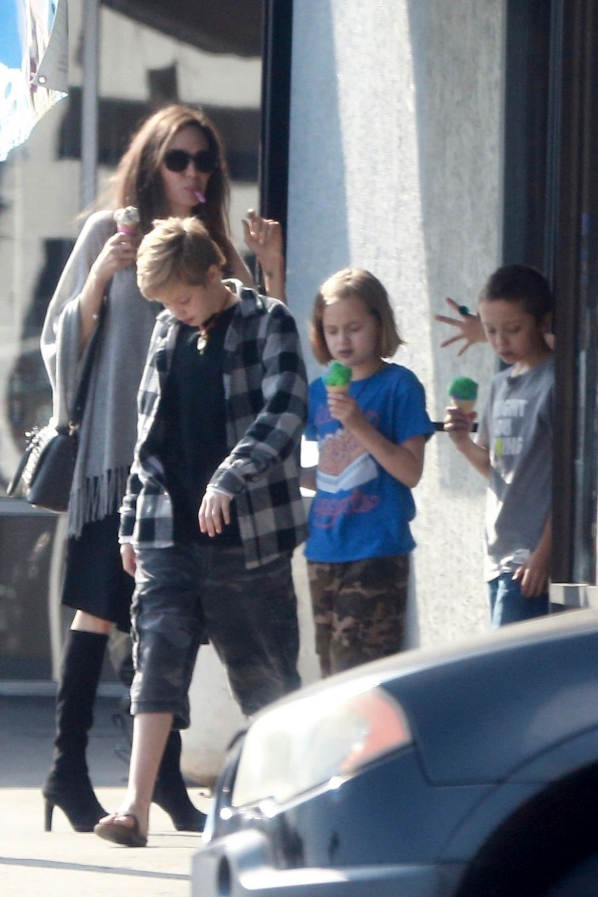Angelina Jolie Takes her kids Halloween shopping and out for ice cream at Baskin-Robbins in Los Angeles