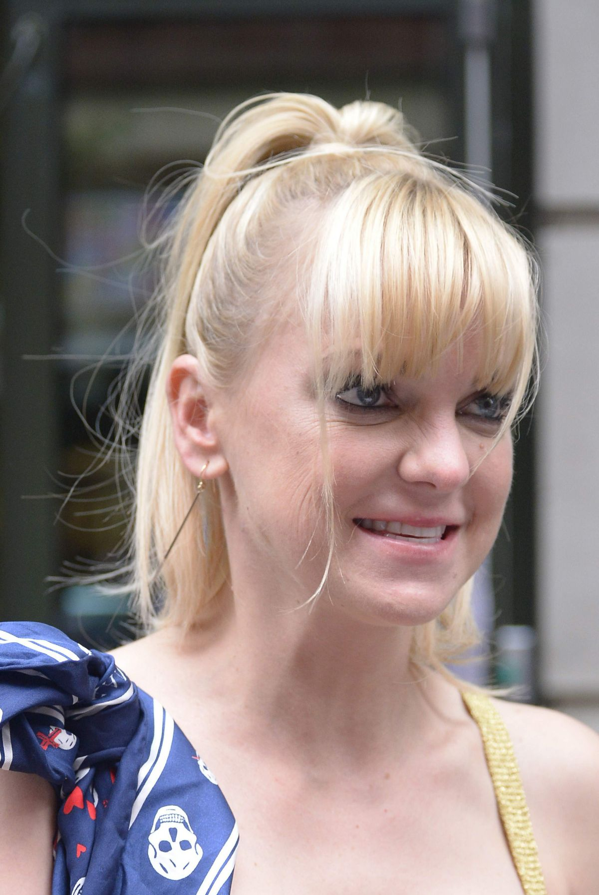 "Anna Faris Signing autographs outside the ""Crosby Hotel"" in New York City"