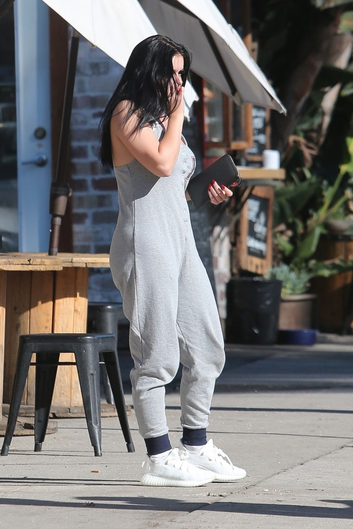 Ariel Winter Heading to The Healing Room day spa in Studio City