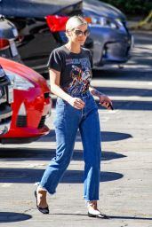 Ashlee Simpson Seen out in Los Angeles