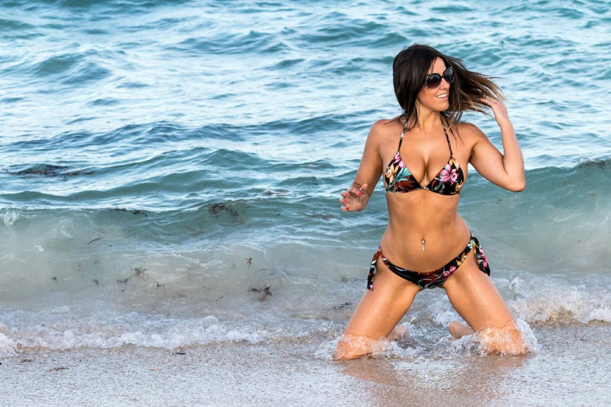 Claudia Romani in Bikini on South Beach in Miami 2 Pic 12 of 35
