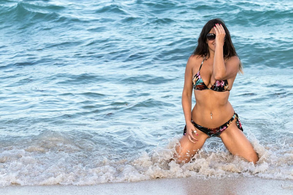 Claudia Romani in Bikini on South Beach in Miami 2 Pic 22 of 35