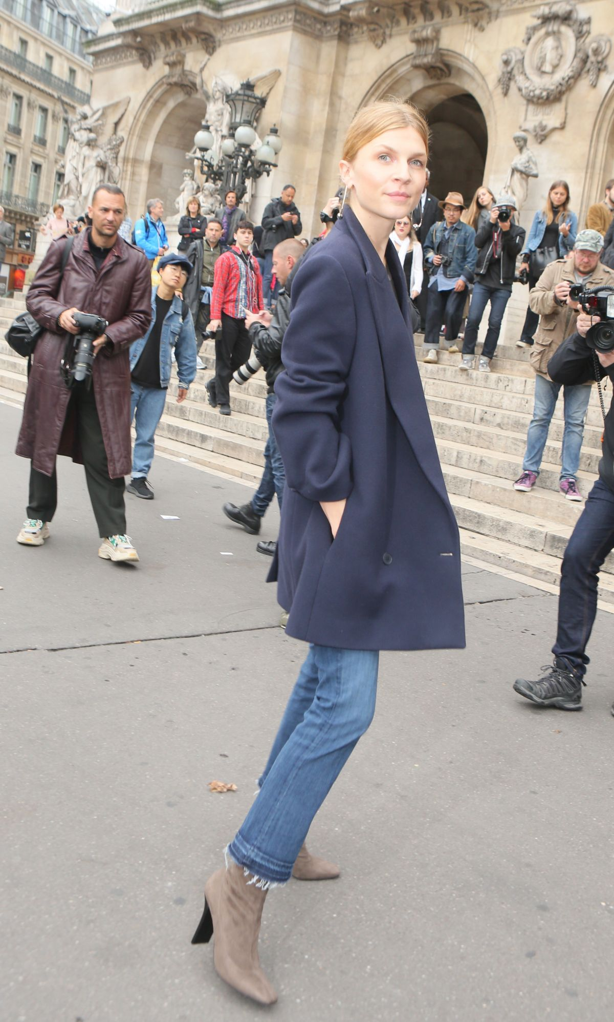0b1809e27aa3 Clémence Poésy At Stella McCartney show