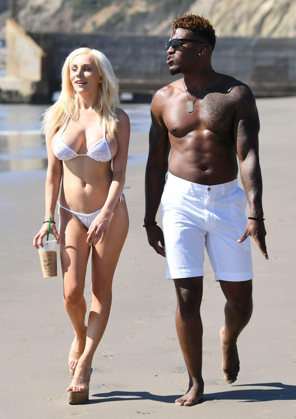 Courtney Stodden in Bikini on the beach in Malibu Pic 5 of 35