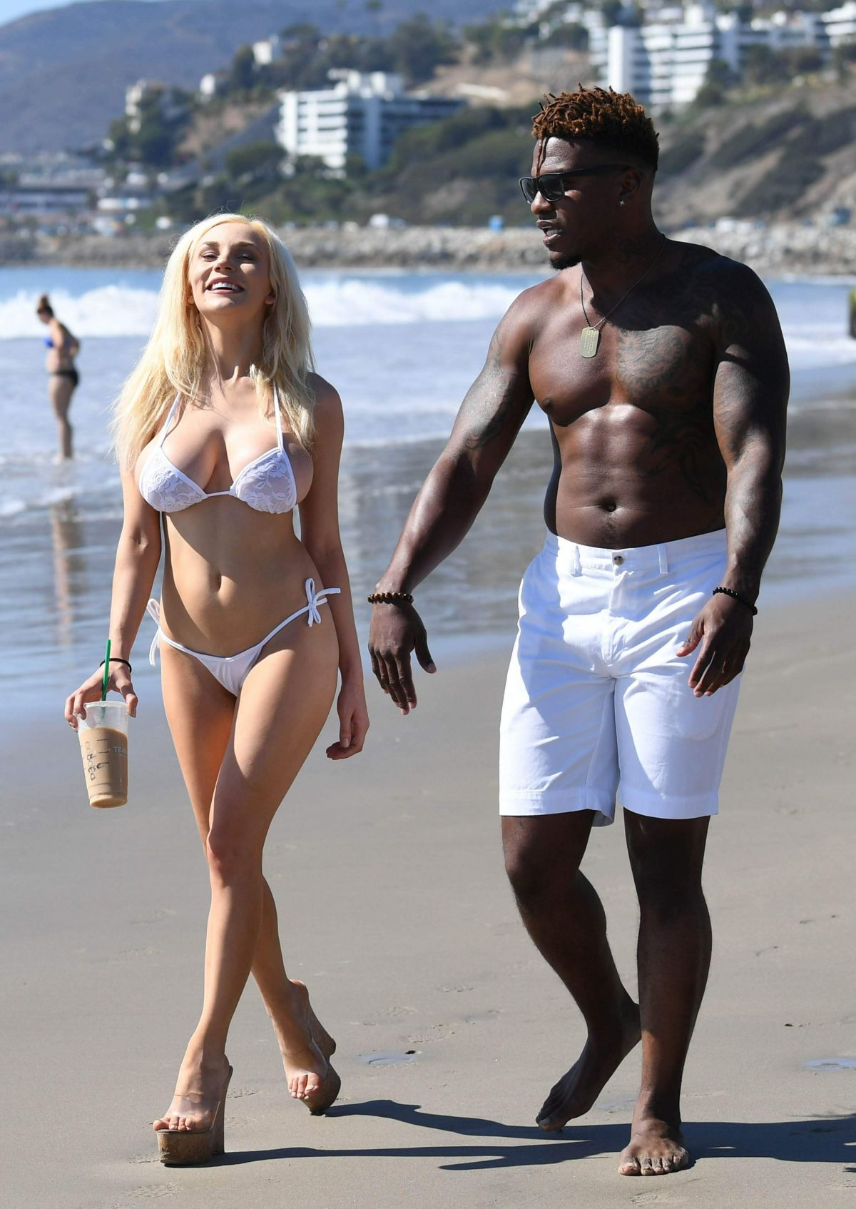 Courtney Stodden in Bikini on the beach in Malibu Pic 6 of 35