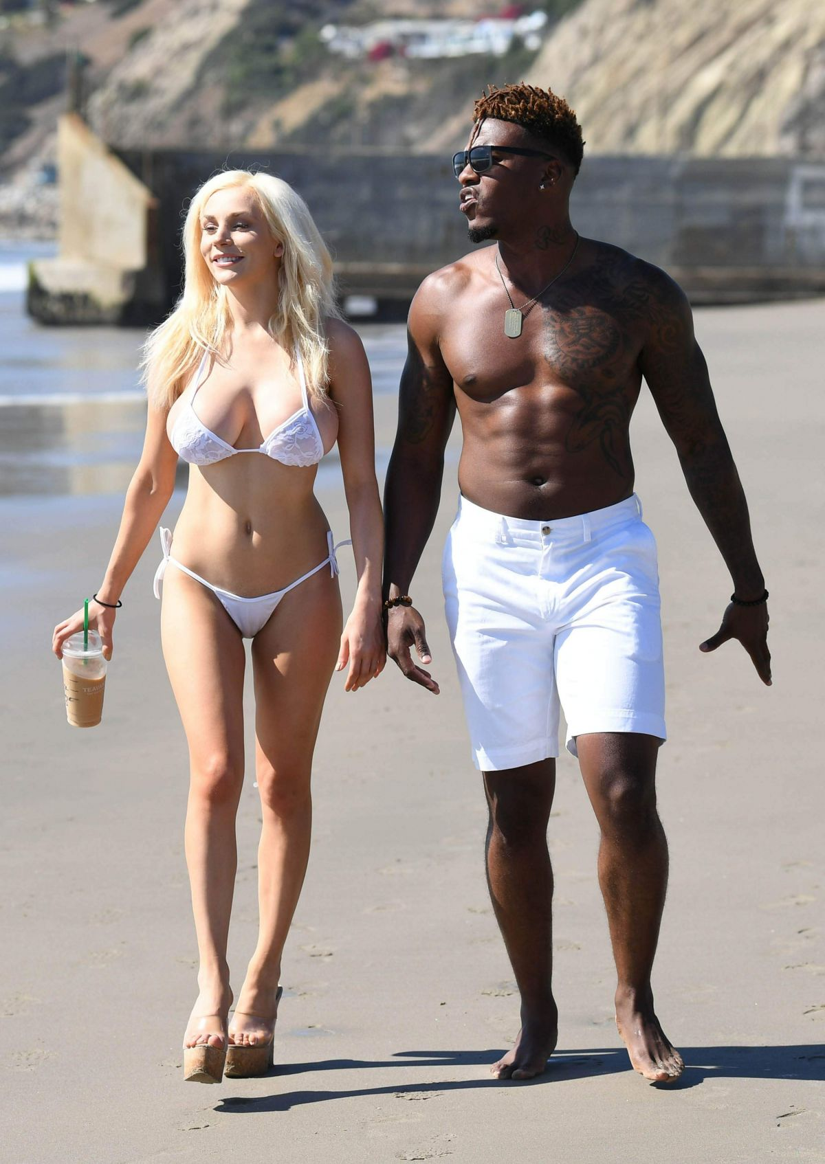 courtney-stodden-on-the-beach-in-malibu-12.jpg