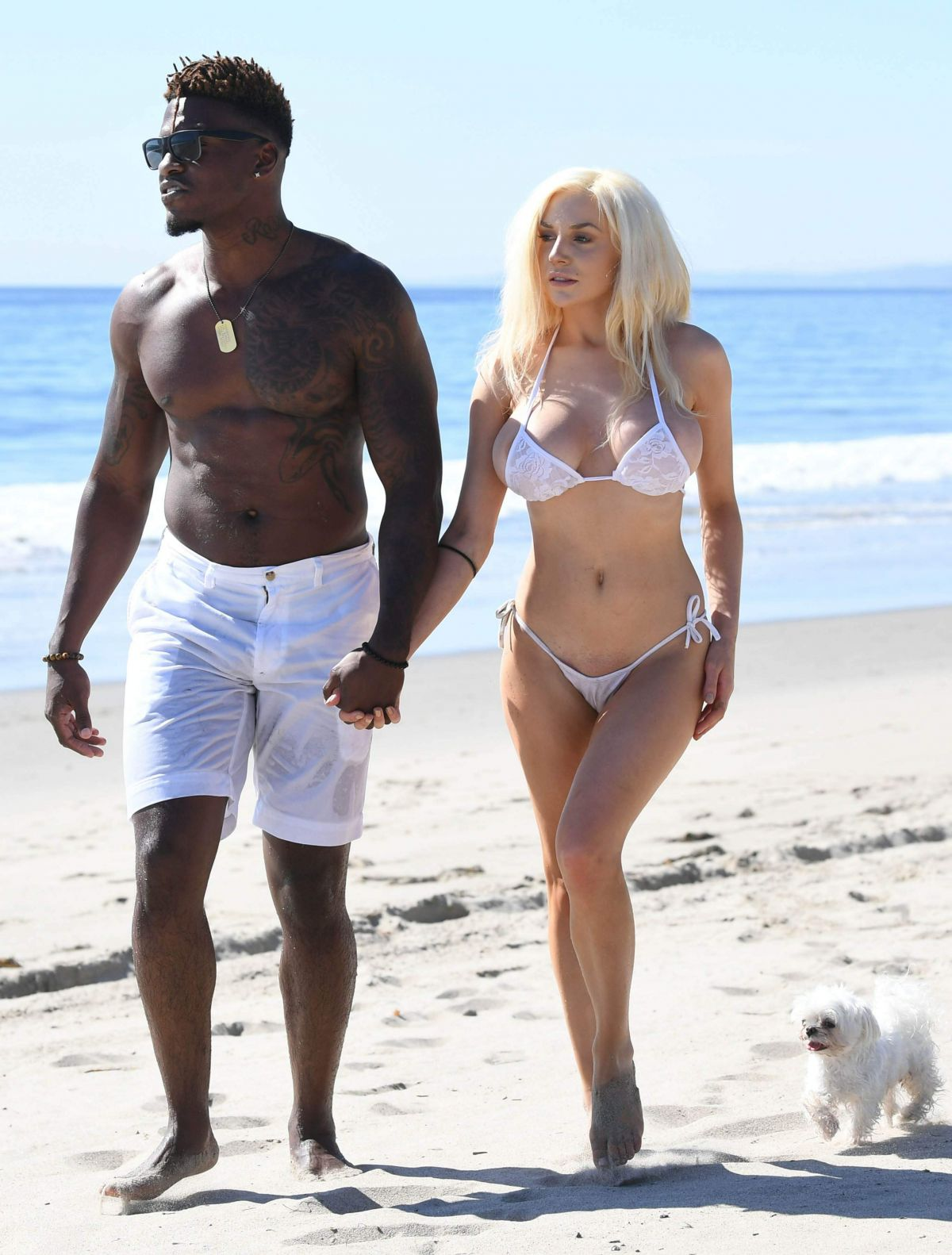 courtney-stodden-on-the-beach-in-malibu-14.jpg