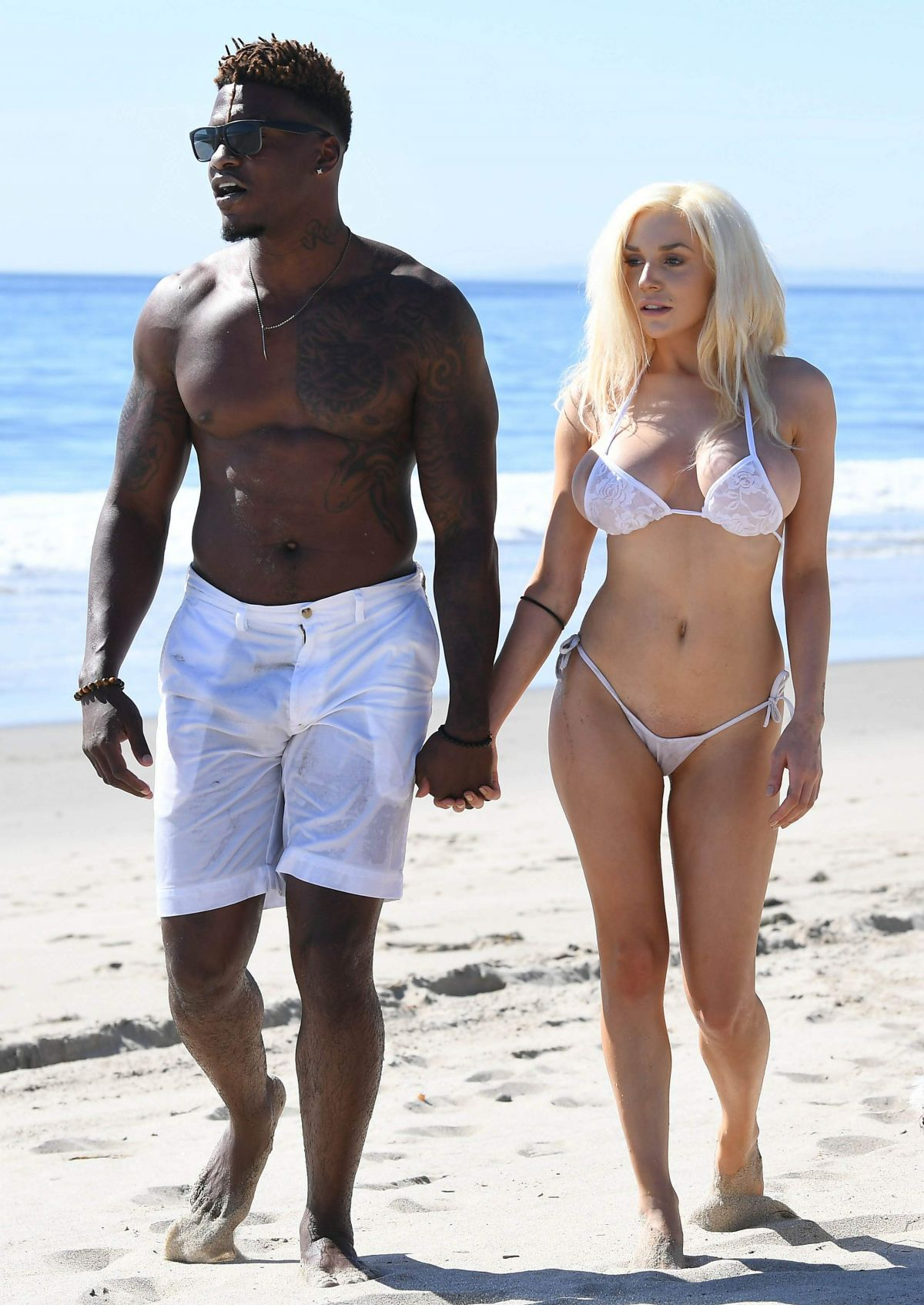 courtney-stodden-on-the-beach-in-malibu-16.jpg