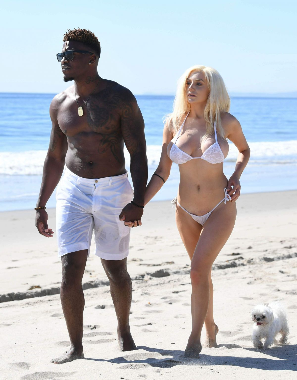 courtney-stodden-on-the-beach-in-malibu-17.jpg
