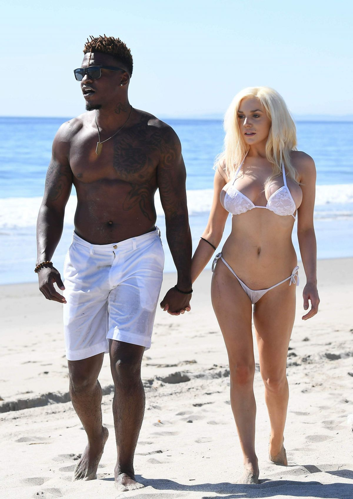 courtney-stodden-on-the-beach-in-malibu-25.jpg