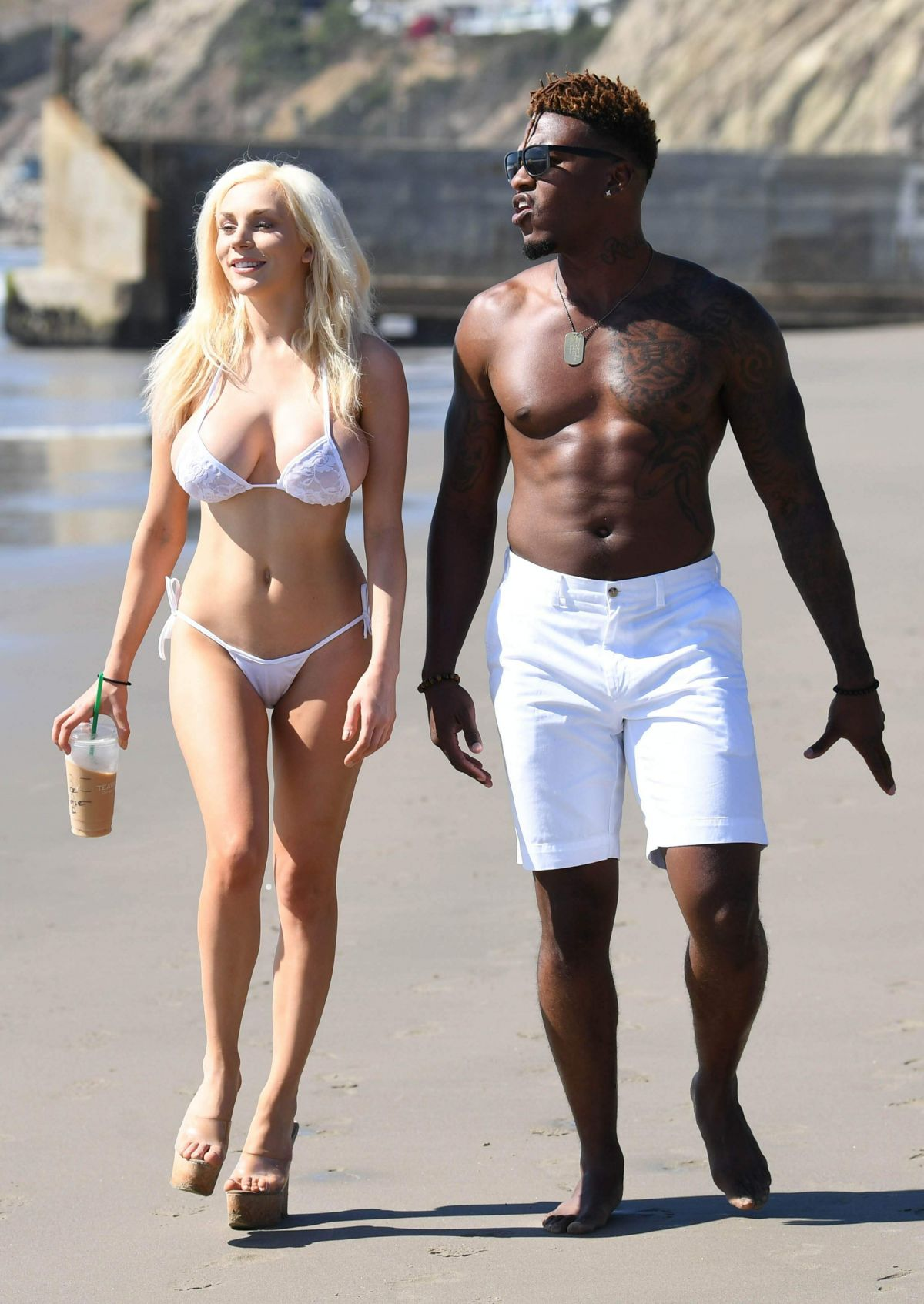 courtney-stodden-on-the-beach-in-malibu-4.jpg