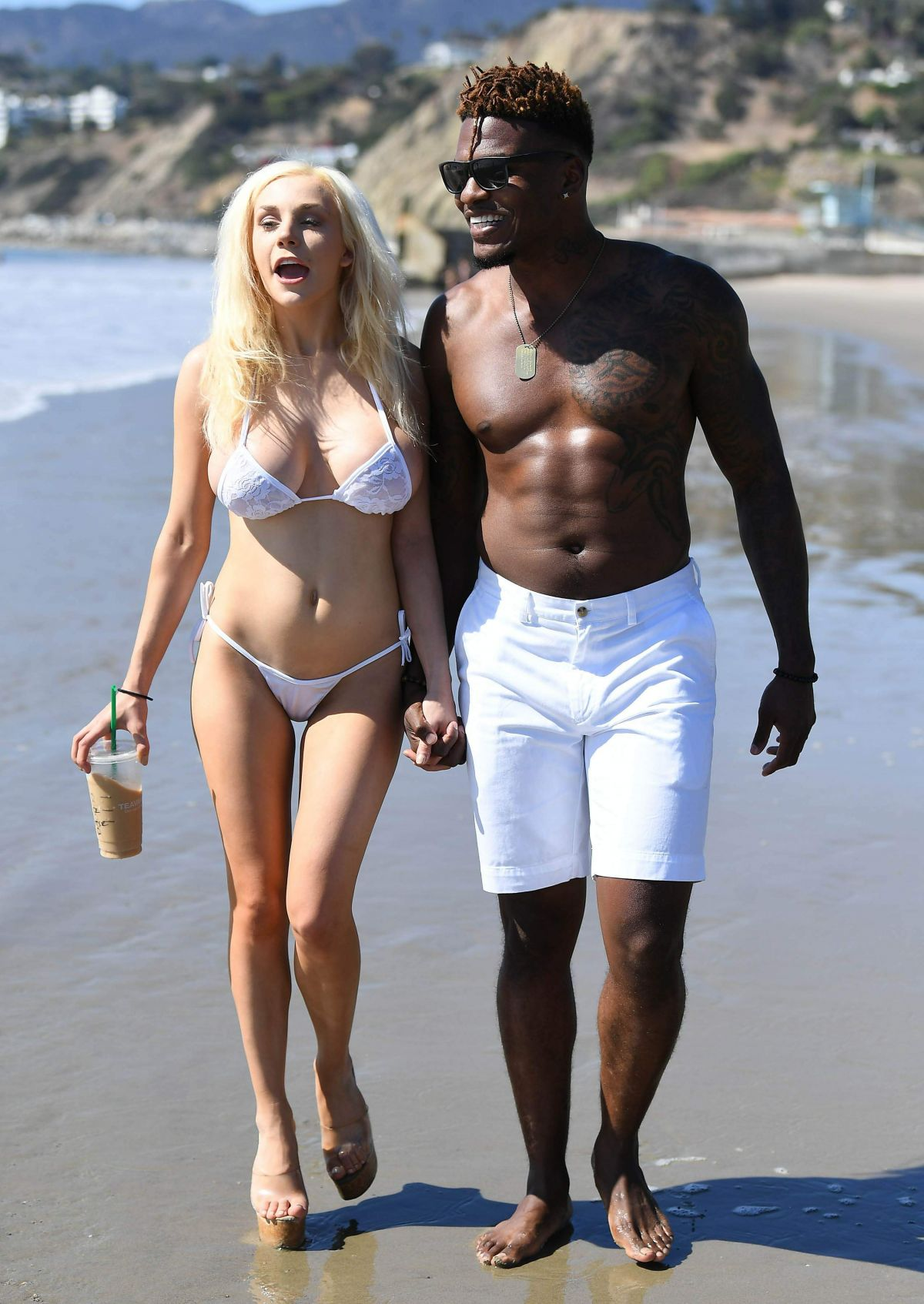 courtney-stodden-on-the-beach-in-malibu-5.jpg