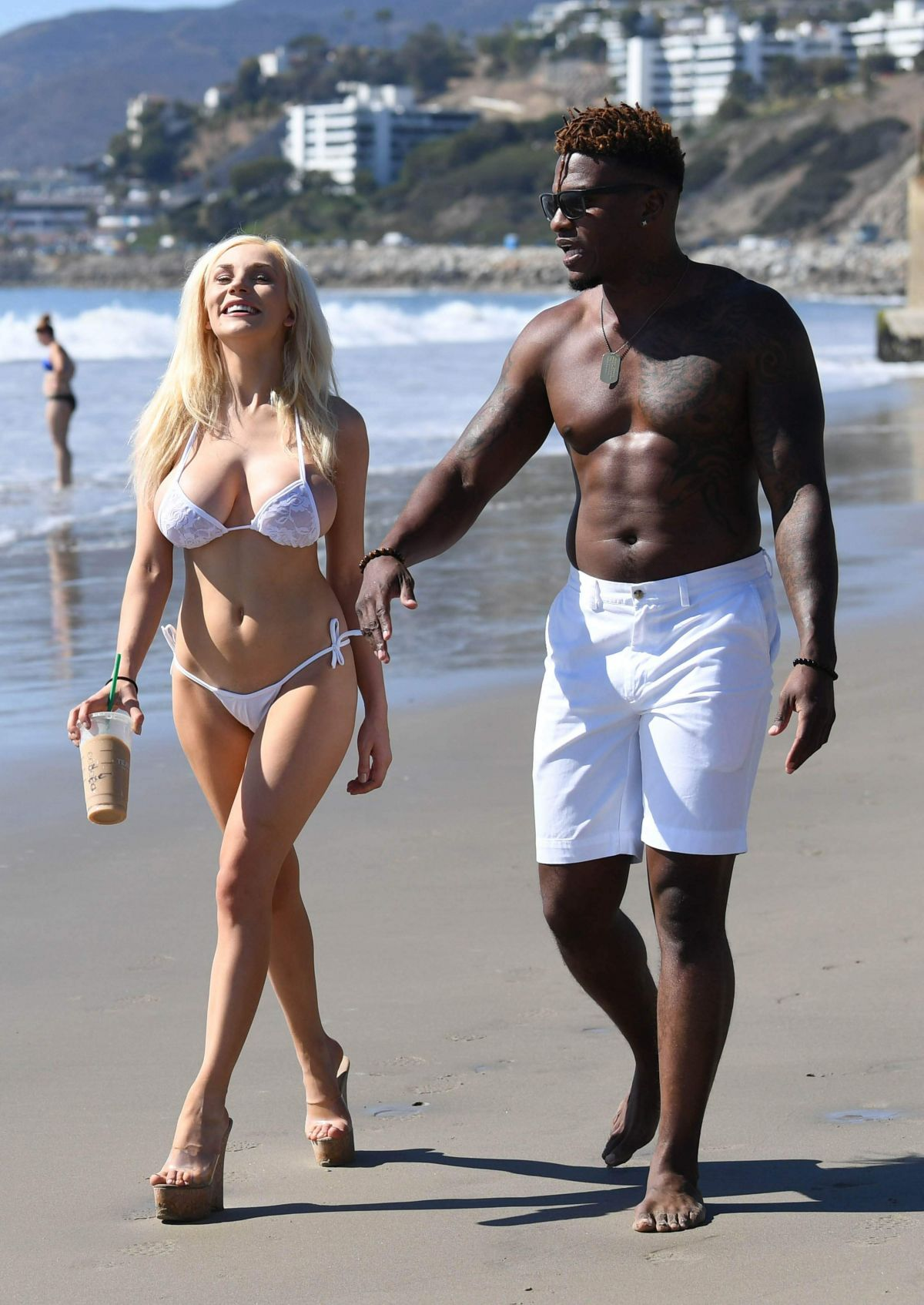 courtney-stodden-on-the-beach-in-malibu-7.jpg