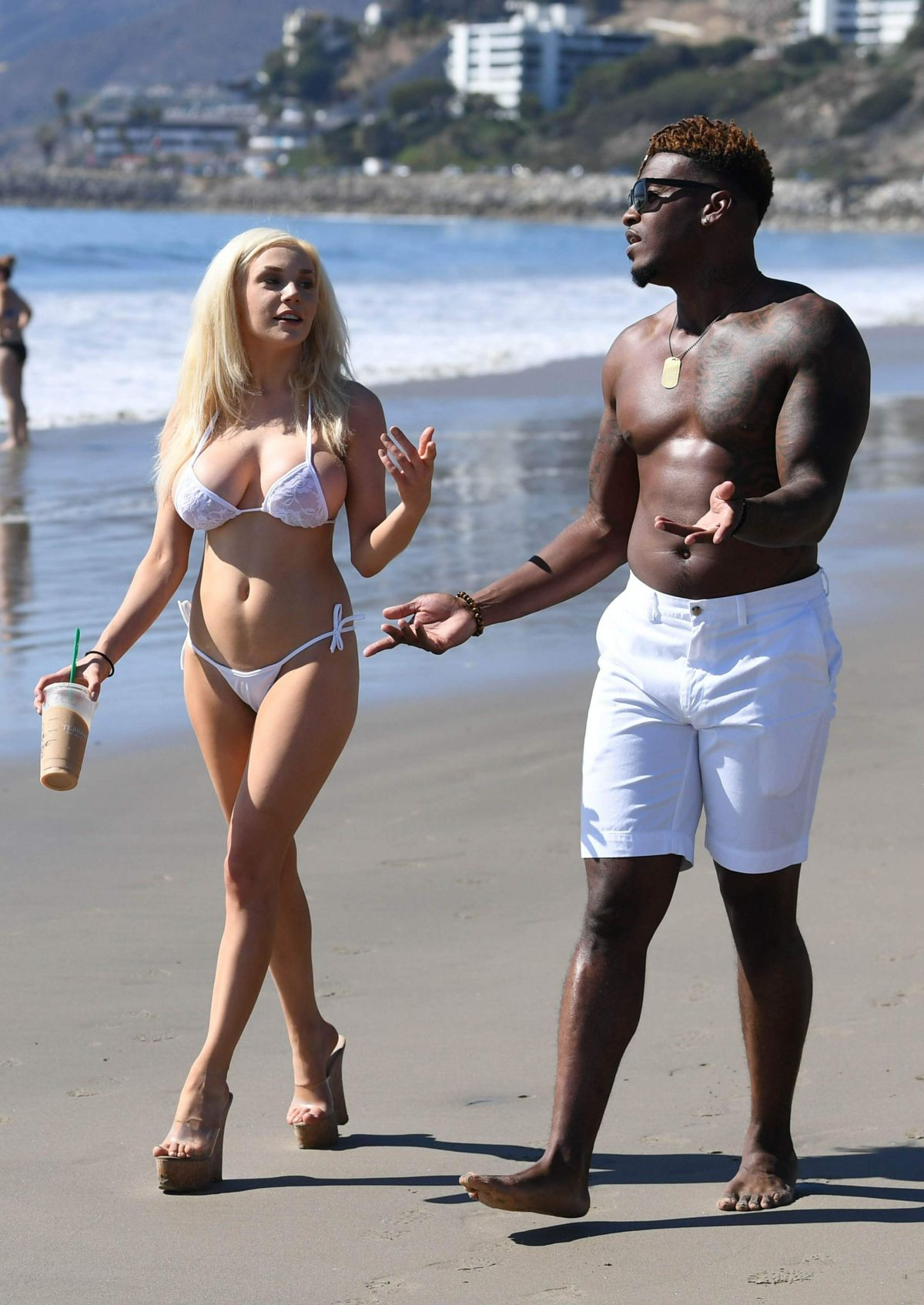 courtney-stodden-on-the-beach-in-malibu-9.jpg