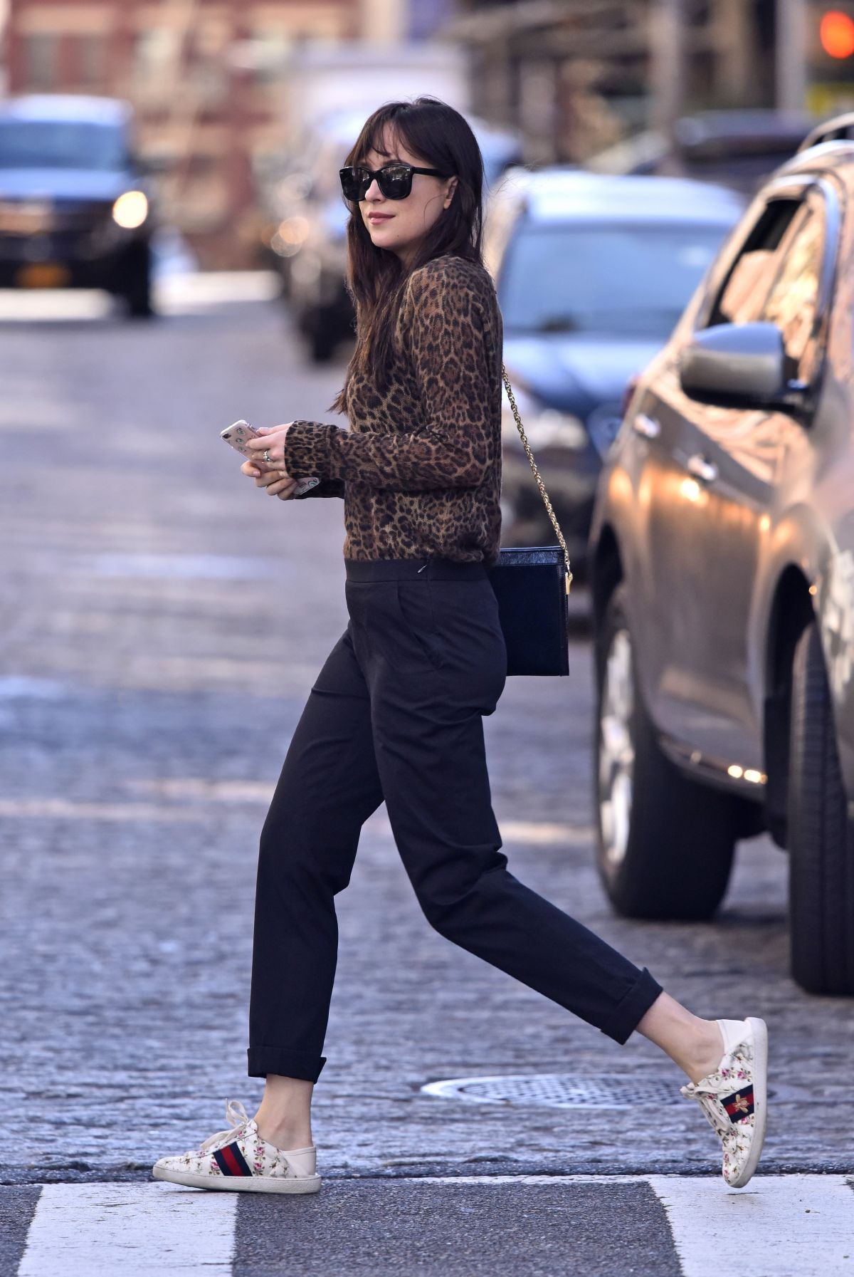 Dakota johnson in leopard top and gucci white sneakers and bag new york nudes (23 photos), Topless Celebrity pics