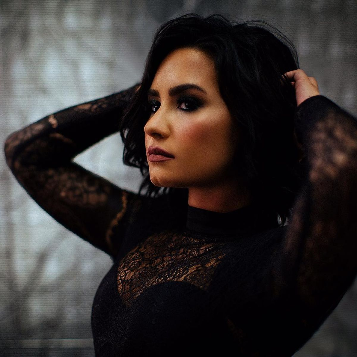 Demi Lovato Social Media Thread