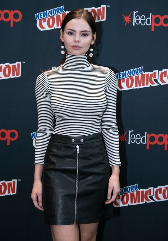 Eline Powell At