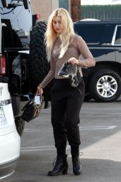 Emma Slater Seen at the DWTS practice studio in Los Angeles
