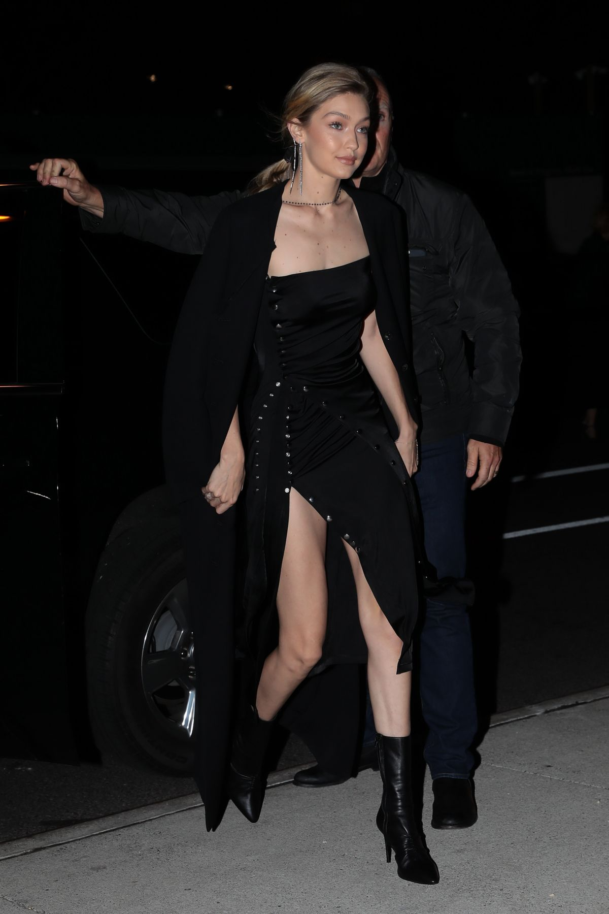 Gigi Hadid Steps out wearing all black in NYC