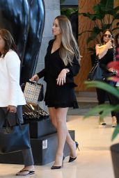 Hannah Davis Seen out and about in Miami