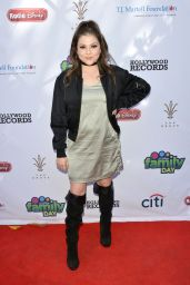 Hannah Zeile At Foundation Family Day, Los Angeles