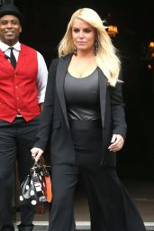 Jessica Simpson Leaving her hotel in NYC