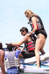 Jodie Kidd Is pictured at the beach with friends while on holiday in Barbados
